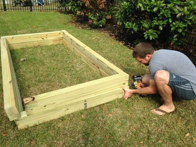 Raised Garden Bed - Assembling Lap Joints