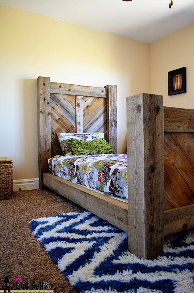 Rustic chevron bed - hertoolbelt