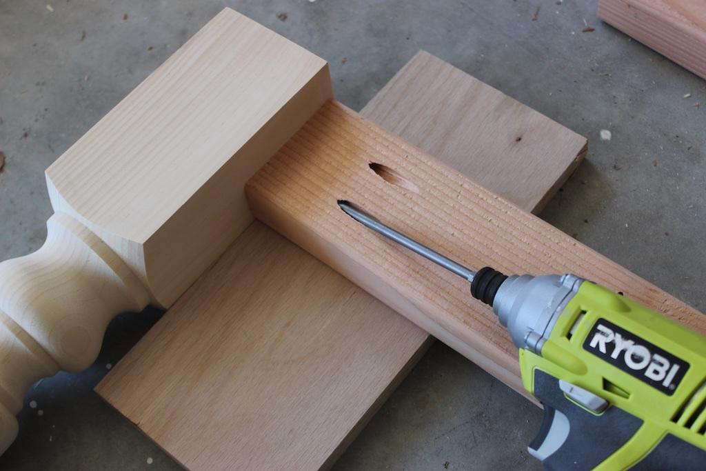 DIY Elegant Oak Farmhouse Table   Step 2