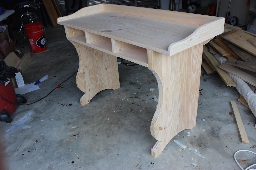 DIY Sicily Writing Desk Plans | Step 5