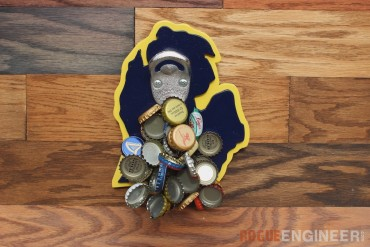 Michigan Magnetic bottle opener | Feature