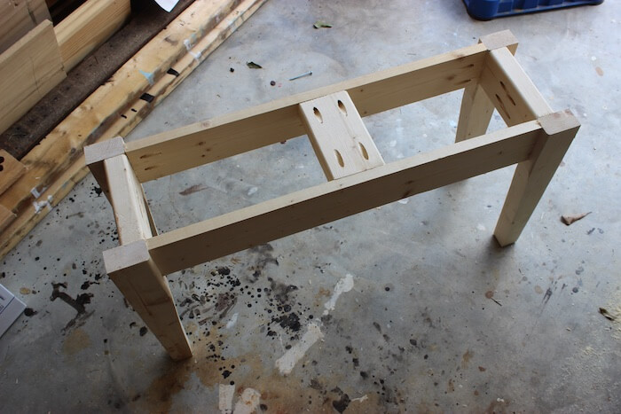 DIY Small Entry Bench Plans - Step 6