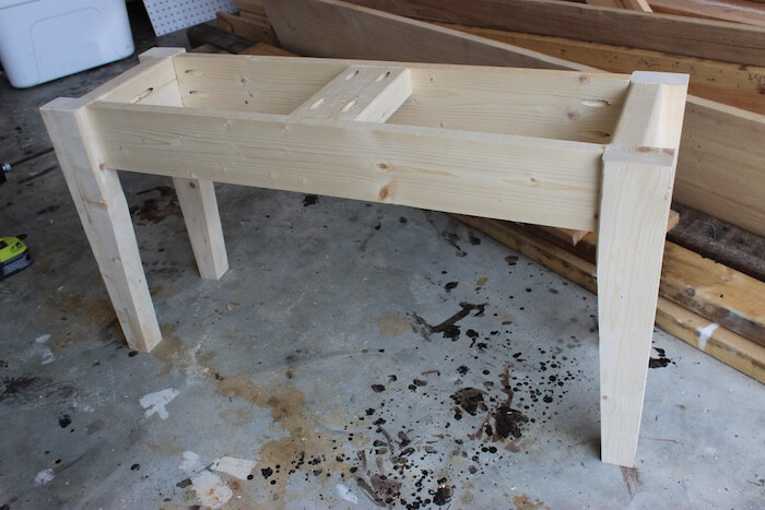 DIY Small Entry Bench Plans - Step 7