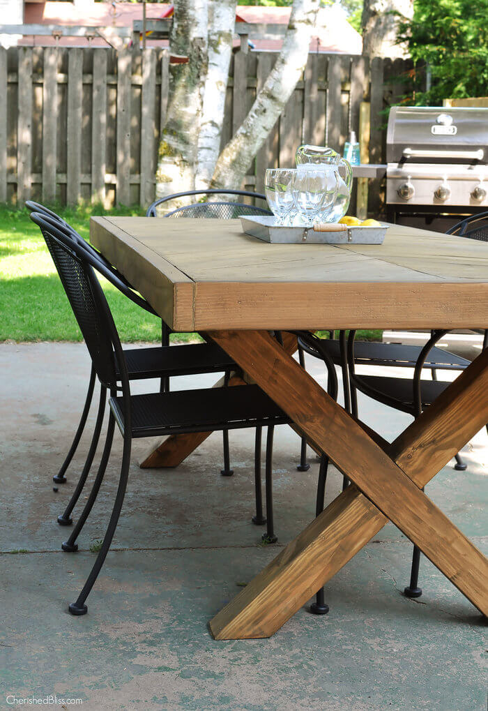 Do It Yourself Home Design: Outdoor Table With X-Leg And Herringbone Top