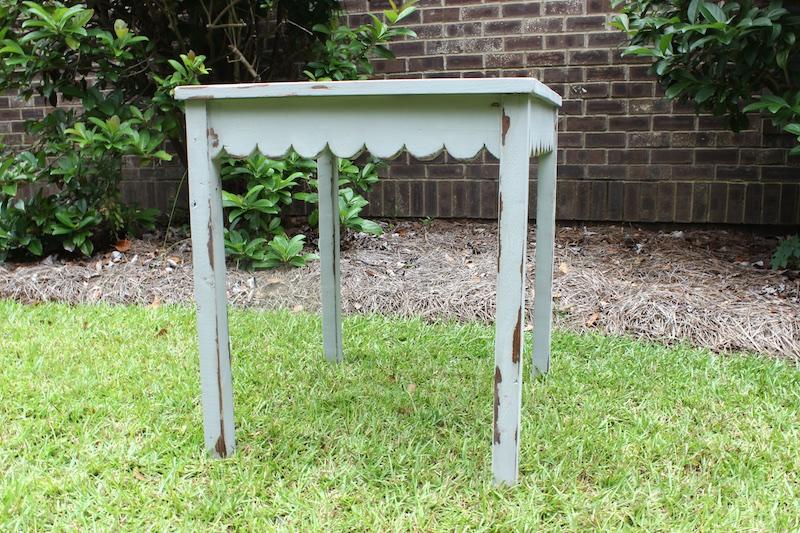 DIY Scalloped Side Table | Outside