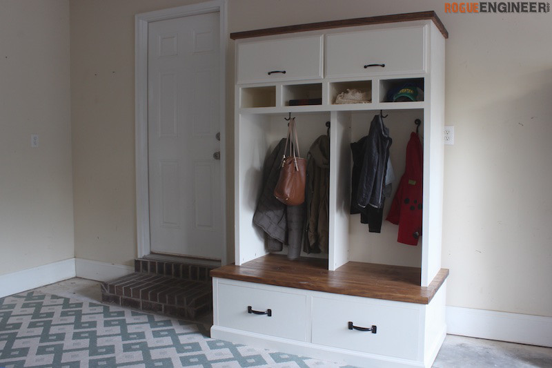 Foyer Mudroom Kits : Mudroom lockers with bench free diy plans