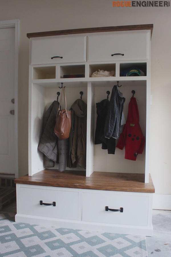 DIY Plans - Mudroom Locker with Bench - Rogue Engineer 3 (1)