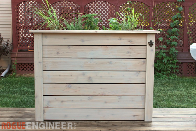 Tall privacy planter free diy plans rogue engineer for Privacy planters for decks