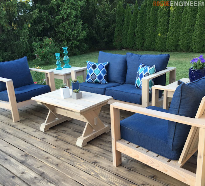 Small DIY Outdoor Coffee Table Plans - Rogue Engineer