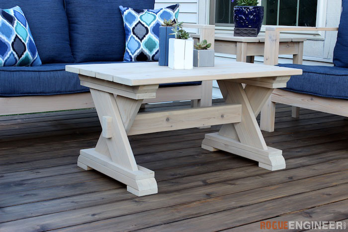 Small DIY Outdoor coffee table plans - Rogue Engineer 1
