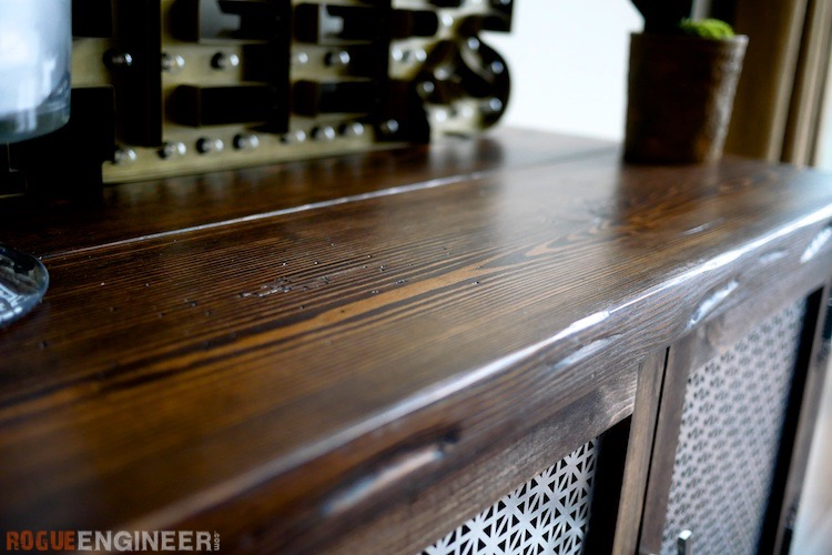 5 [Natural Looking] Techniques to Distress Wood