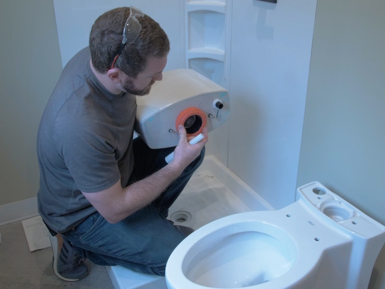 How to install a toilet Step 20