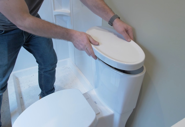 How to install a toilet Step 31