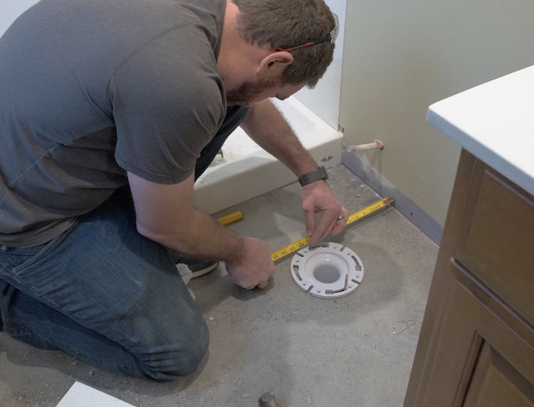How to install a toilet Step 6