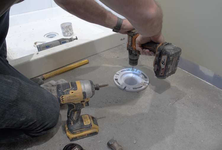 How to install a toilet Step 7