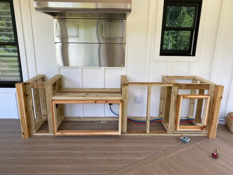DIY Outdoor Kitchen with Grill and Sink 10