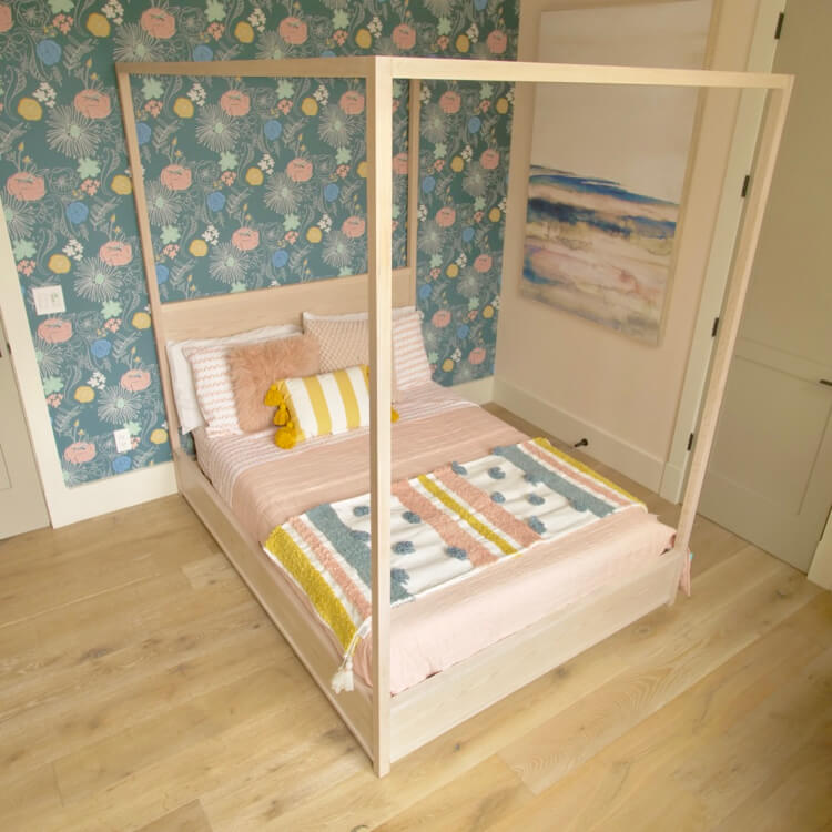 Full Canopy Bed 2