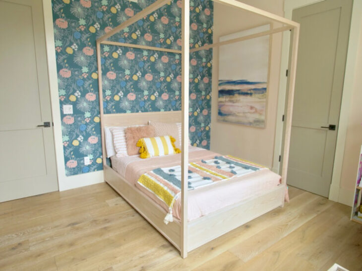 Full Canopy Bed 4