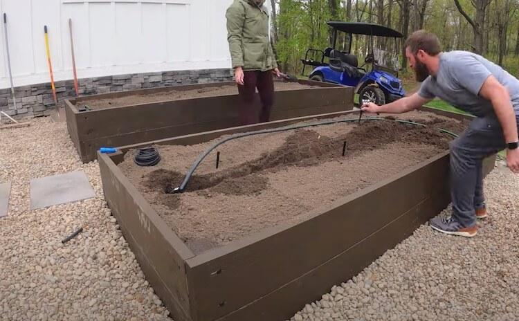 Raised Garden with Irrigation Step 19