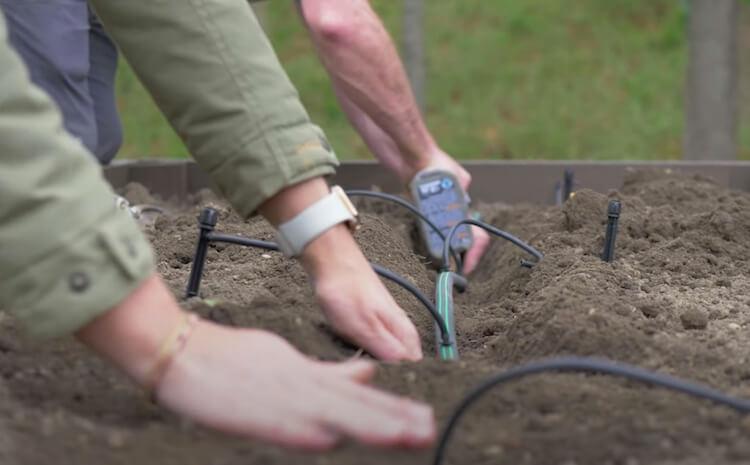 Raised Garden with Irrigation Step 22